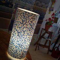 Lampe papier japonais motif liberty bleu agnes clairand