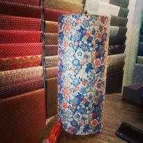 Lampe papier japonais motif rouge et bleu agnes clairand