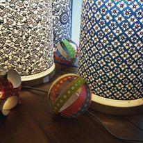 lampe papier japonais motifs geometriques bleus agnes clairand