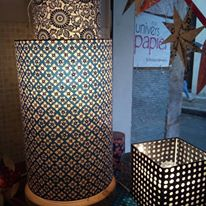 lampe papier japonais motifs graphiques bleus Agnes clairand