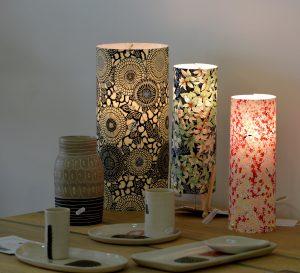 Lampe tube à poser en papier japonais Agnès Clairand