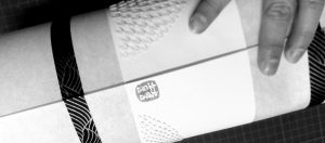 Lampe en dentelle de papier mise en forme