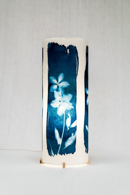 Lampes roses de noel en cyanotype
