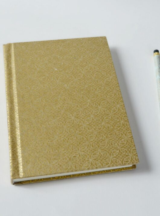 Carnet fantaisie en papier japonais doré