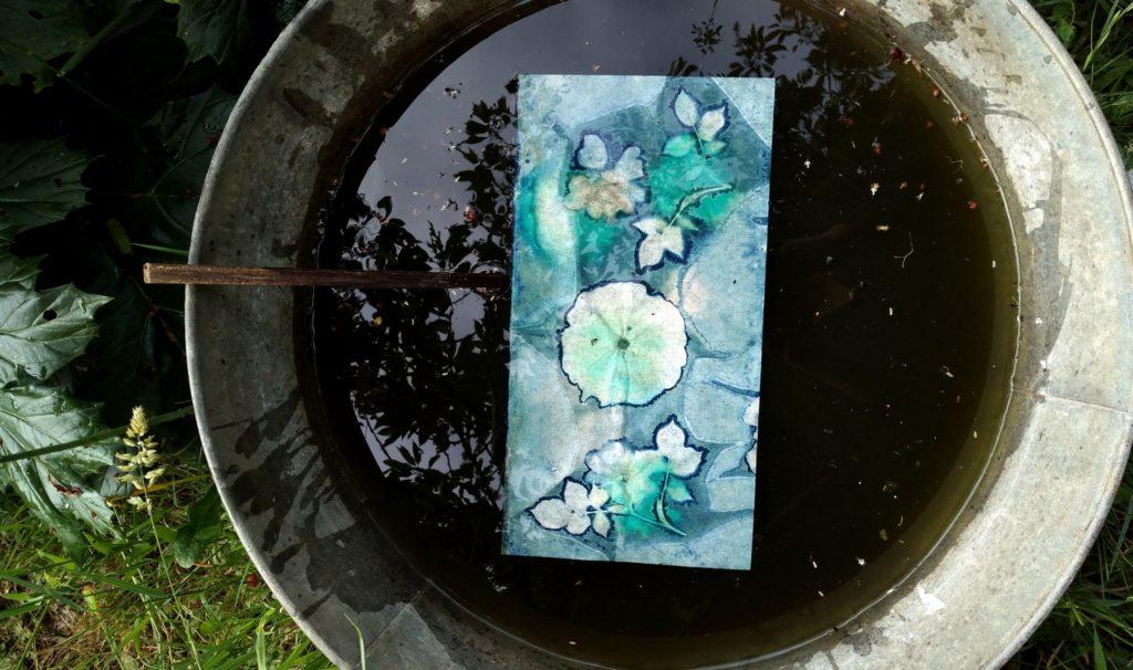 lampe artisanale en cyanotype